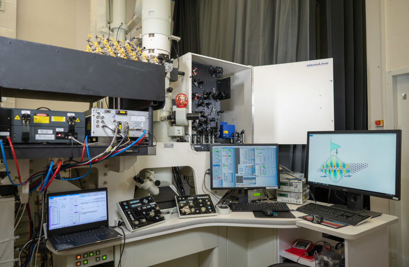 Technion observes light-sound waves in 2D materials, first time in history - The Jerusalem Post