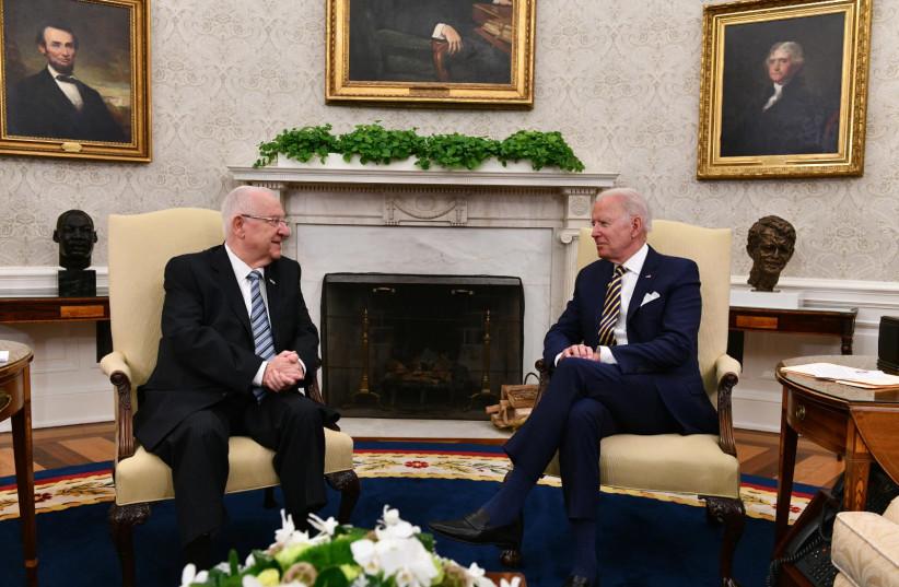 O presidente Reuven Rivlin se encontra com o presidente dos EUA Joe Biden na Casa Branca na segunda-feira, 28 de junho de 2021. (Crédito da foto: HAIM ZACH / GPO)