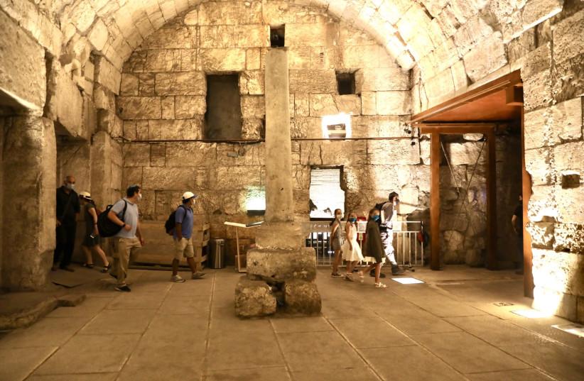 Restos do magnífico edifício de 2.000 anos recentemente escavado e prestes a ser aberto ao público (crédito da foto: MARC ISRAEL SELLEM / THE JERUSALEM POST)