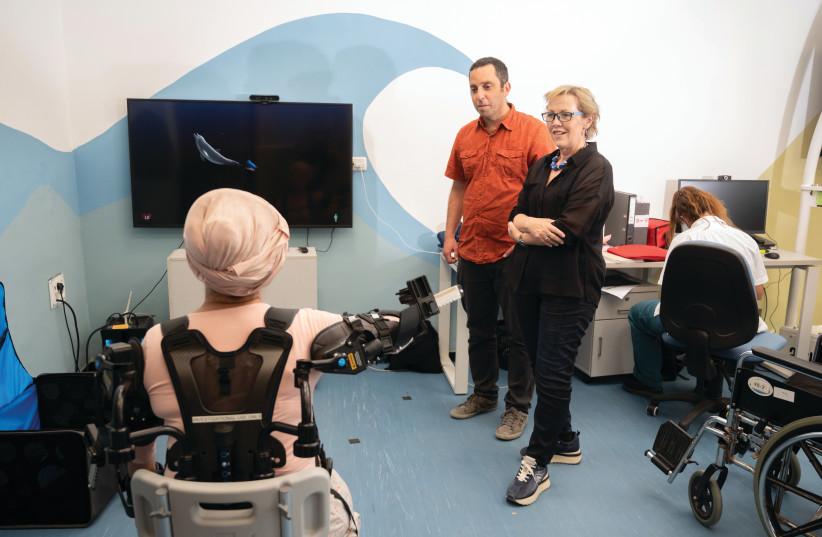 Dr. Simona Bar-Haim and Dr. Lior Shmuelof in the Negev Lab at ADI Negev (photo credit: DANI MACHLIS/BGU)