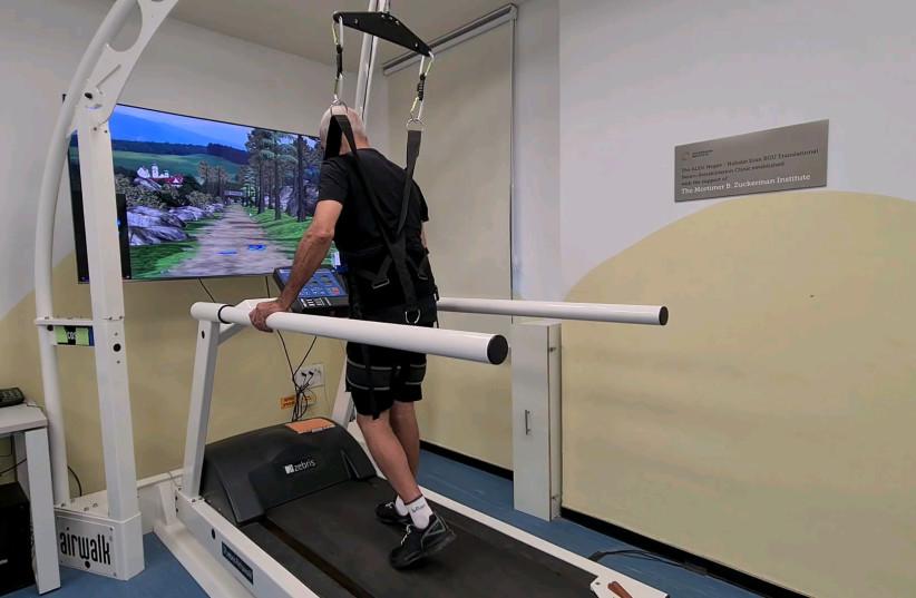 A stroke patient walks (photographer: Negev Lab)