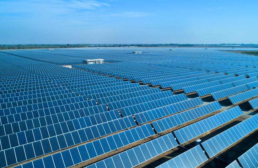 A 55-MEGAWATT solar power plant in Israel's south.  (photo credit: MOSHE SHAI/FLASH90)