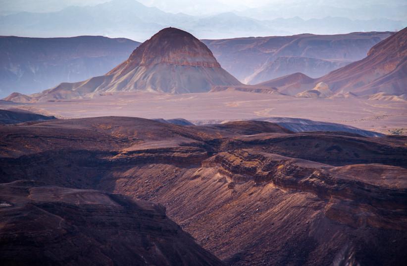 View of the Makhtesh Ramon, Israeli Negev desert, on May 08, 2021. (credit: MILA AVIV/FLASH90)