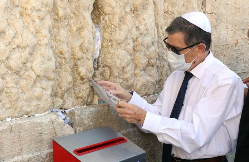Danny Goldstein, CEO of Israel Post (credit: SASSON TIRAM)