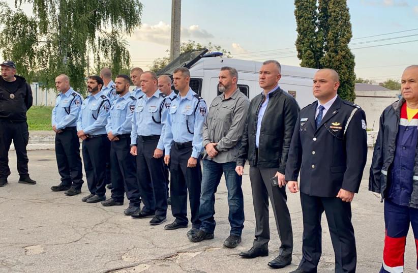 Délégation de la police israélienne à Ouman, en Ukraine, pour Roch Hachana et les fêtes de fin d'année, septembre 2021 (crédit: UNITÉ DU PORTE-PAROLE DE LA POLICE)