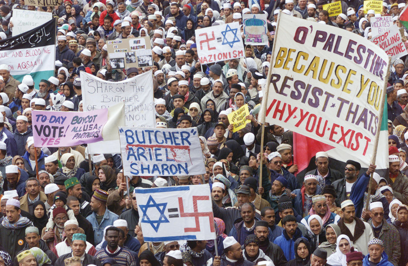 MARCHING IN Cape Town, South Africa, August 21, 2001, ahead of the Durban conference. Thousands from the city's Muslim community joined in. (credit: MH/FMS/Reuters)
