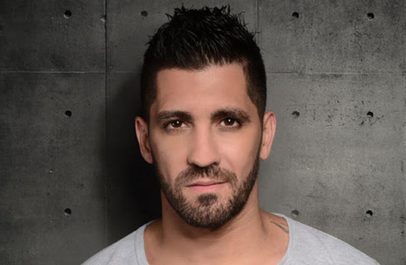 Le chanteur druze israélien Mike Sharif (crédit photo : Ronen Akerman/Wikimedia Commons)
