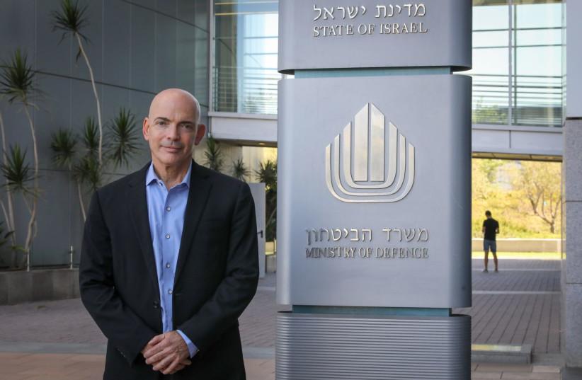 Le chef du MAFAT, le Dr Danny Gold, au bâtiment du ministère de la Défense à Tel Aviv (crédit: MARC ISRAEL SELLEM/THE JERUSALEM POST)