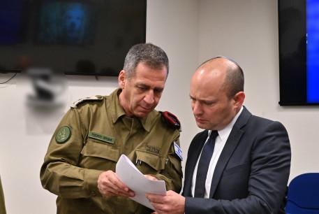 IDF Chief of Staff Lt.-Gen. Aviv Kochavi [L] with Defense Minister Naftali Bennett