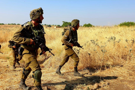 Troops from the IDF's 215 Artillery Division