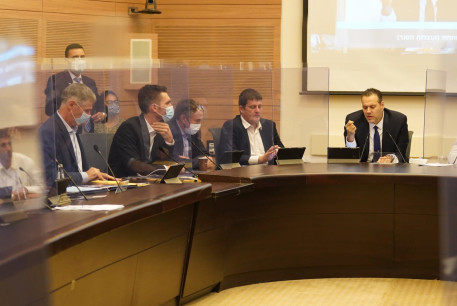 The Knesset Constitution, Law and Justice Committee debates changes to lockdown regulations, September 25, 2020.