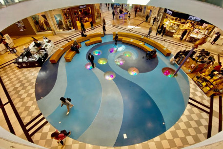 A mall in Israel opens up after the country's third coronavirus lockdown.
