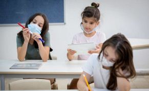 Israeli students wearing protective face masks in order to prevent the spread of the coronavirus in a school in Tel Aviv, August 23, 2020