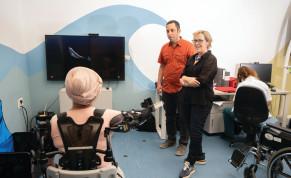 Dr. Simona Bar-Haim and Dr. Lior Shmuelof in the Negev Lab at ADI Negev