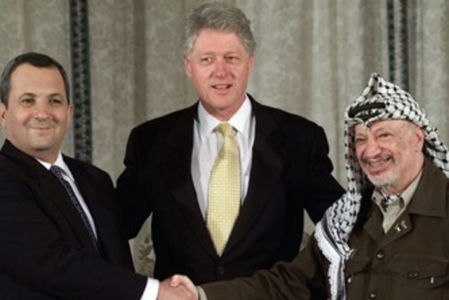 Ehud Barak, Bill Clinton, and Yasser Arafat 370 (photo credit: REUTERS)