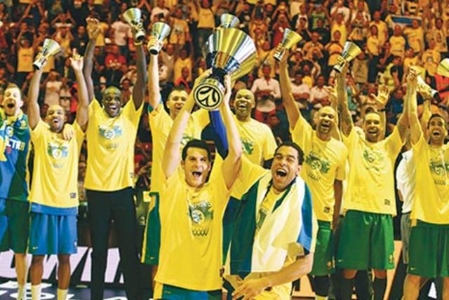Maccabi Tel - Aviv Champion (photo credit: REUTERS)