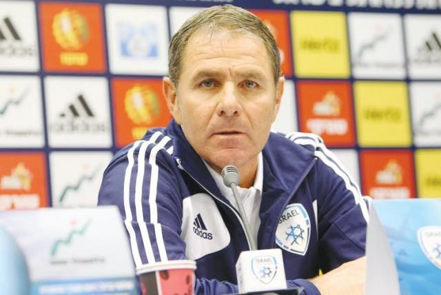 Israel's coach Eli Gutman (photo credit: ADI AVISHAI)
