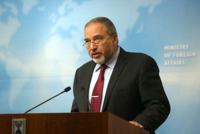 Liberman at press conference (photo credit: MARC ISRAEL SELLEM/THE JERUSALEM POST)
