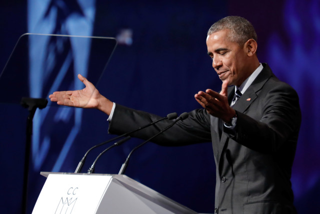 Former US President Barack Obama delivers a speech (photo credit: DARIO AYALA / REUTERS)