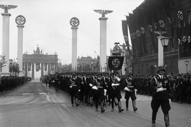 A Nazi parade in Berlin (photo credit: Wikimedia Commons)
