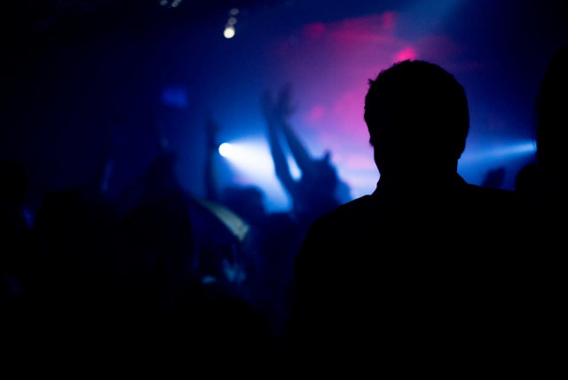 Night club silhouette. (photo credit: PIXABAY)
