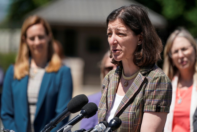 Rep. Elaine Luria (D-VA) speaks about the formation of the Congressional Servicewomen and Women Veterans Caucus on Capitol Hill in Washington, U.S., May 15, 2019 (photo credit: REUTERS/JOSHUA ROBERTS)