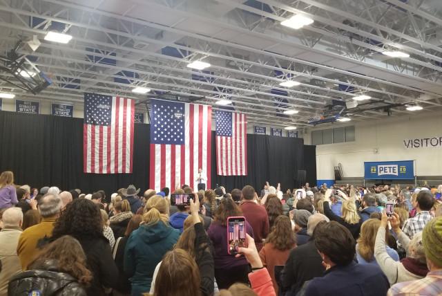 Pete Buttigieg speaks in New Hampshire ahead of primaries in 2020 (photo credit: OMRI NAHMIAS)