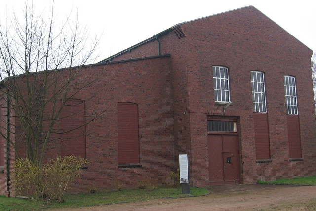 Former hammer-workshop of the German concentration camp Neuengamme. (photo credit: Wikimedia Commons)