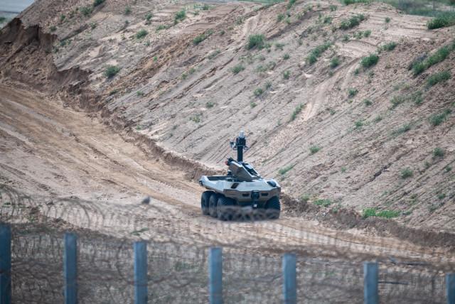 The Jaguar robot traversing the land. (Credit: IDF Spokesperson's Unit)
