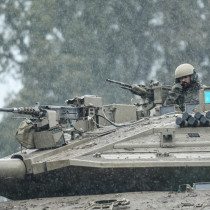 The 71st Armored Battalion completes its readiness for a war on the northern front.