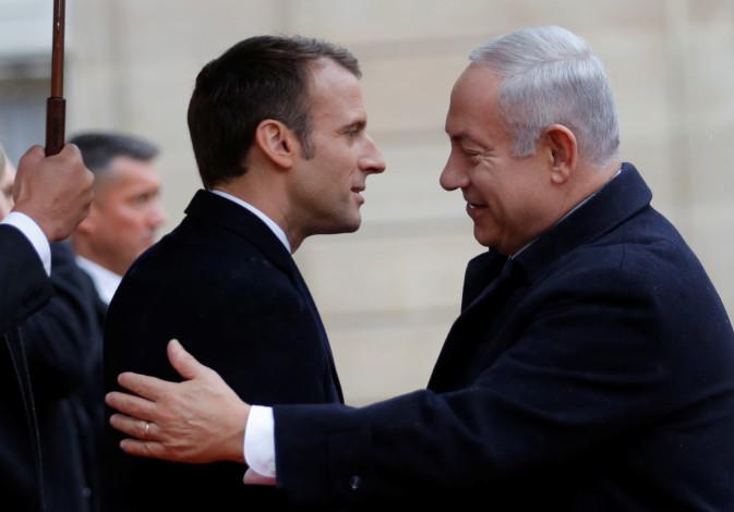 French President Emmanuel Macron welcomes Israel Prime Minister Benjamin Netanyahu at the Elysee Pal