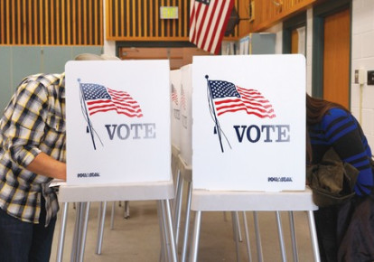 COLORADO RESIDENTS vote in the US midterm elections (photo credit: REUTERS)