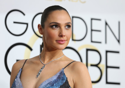 Actress Gal Gadot arrives at the 74th Annual Golden Globe Awards in Beverly Hills, California, US, January 8, 2017 (photo credit: REUTERS/MIKE BLAKE)