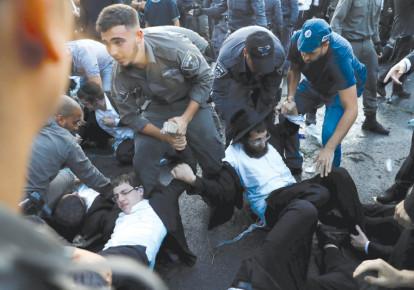THE AUTHOR wonders how much Israel's internal challenges threaten its survival (photo credit: RONEN ZVULUN/REUTERS)