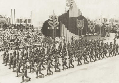 IDF TROOPS take part in a military parade in Jerusalem for the 25th anniversary of Israel's independence in 1973. This was the final year such a parade was held. (Jerusalem Post Archives) (photo credit: JERUSALEM POST ARCHIVE)