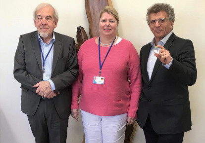 Lars Norgren, emeritus professor at Örebro University in Sweden, and a member of the CLI study steering committee; Prof. Nikol Sigrid senior consultant of the Department of Clinical and Interventional Angiology at the St. Georg Asklepios Hospital in Hamburg, Germany and Pluristem co-CEO Zami Aberman (photo credit: Courtesy)