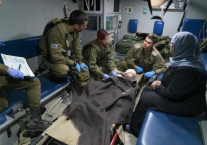 IDF gives urgent treatment to Syria refugees, June 30, 2018. (photo credit: IDF SPOKESMAN'S UNIT)