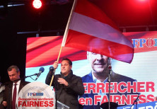 Norbert Hofer (L) and Austrian Freedom Party (FPOe) top candidate Heinz-Christian Strache attend the