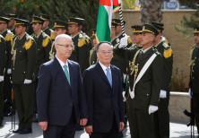 Chinese Vice President Wang Qishan and Palestinian PM Rami Hamdallah, reception ceremony in Ramallah