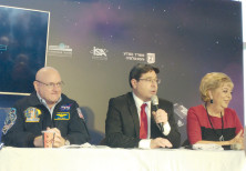 NASA astronaut Scott Kelly with Science and Technology Minister Ofir Akunis.