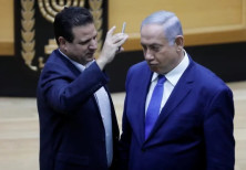 MK Ayman Odeh places camera in PM Benjamin Netanyahu's face during debate on Cameras Bill