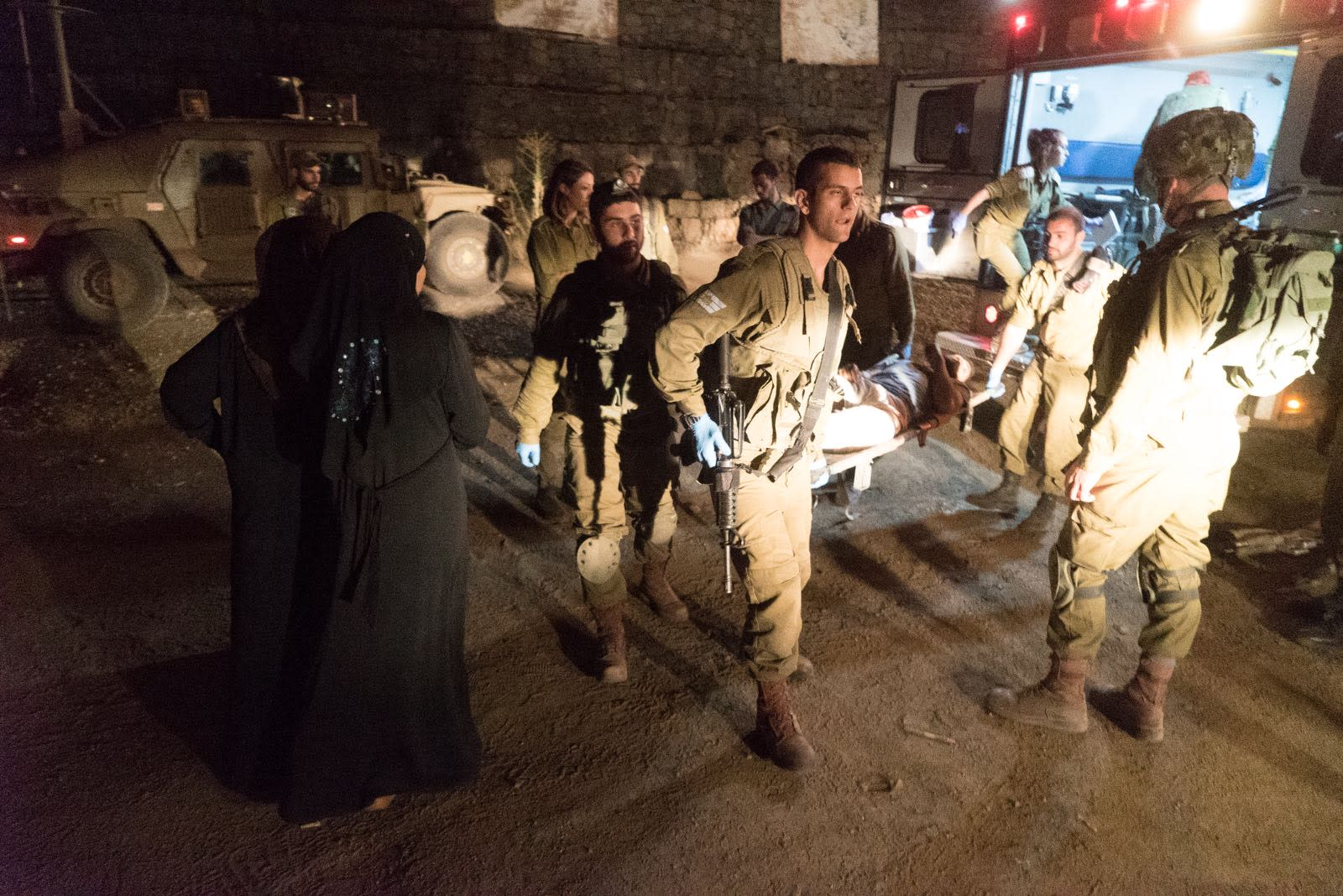 IDF gives urgent treatment to Syrian refugees, June 30, 2018 (IDF Spokesperson's Unit)