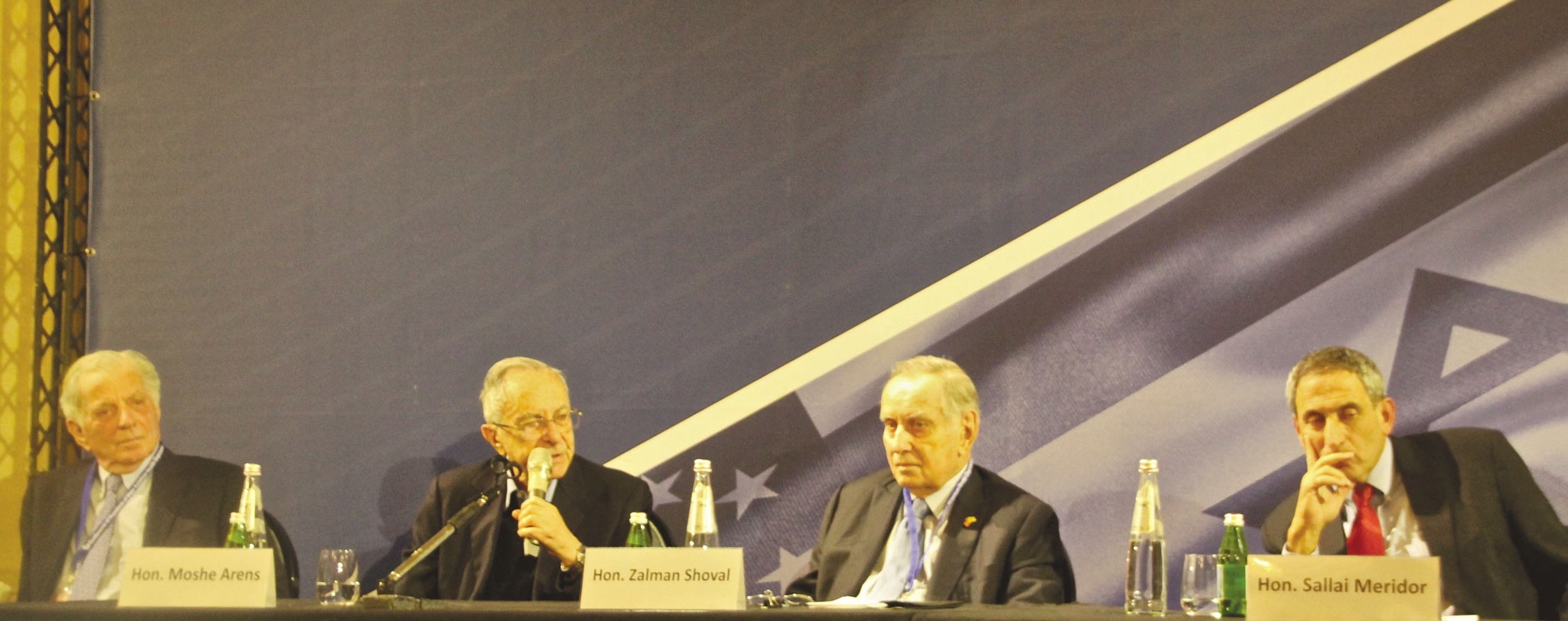 FORMER AMBASSADORS to the US, from left, Itamar Rabinovich, Moshe Arens, Zalman Shoval and Sallai Meridor take part in a panel discussions at the Conference of Presidents of Major American Jewish Organizations in Jerusalem (Tovah Lazaroff)