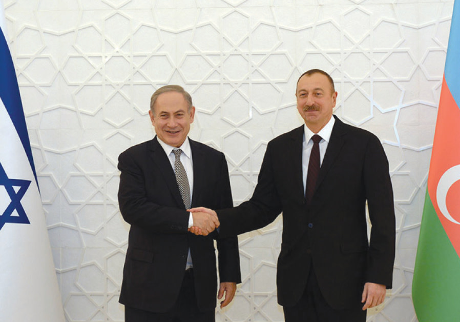 Azerbaijan President Ilham Aliyev hosts Prime Minister Benjamin Netanyahu at the Zagulba Palace in Baku on December 13, 2016 (HAIM ZACH/GPO)