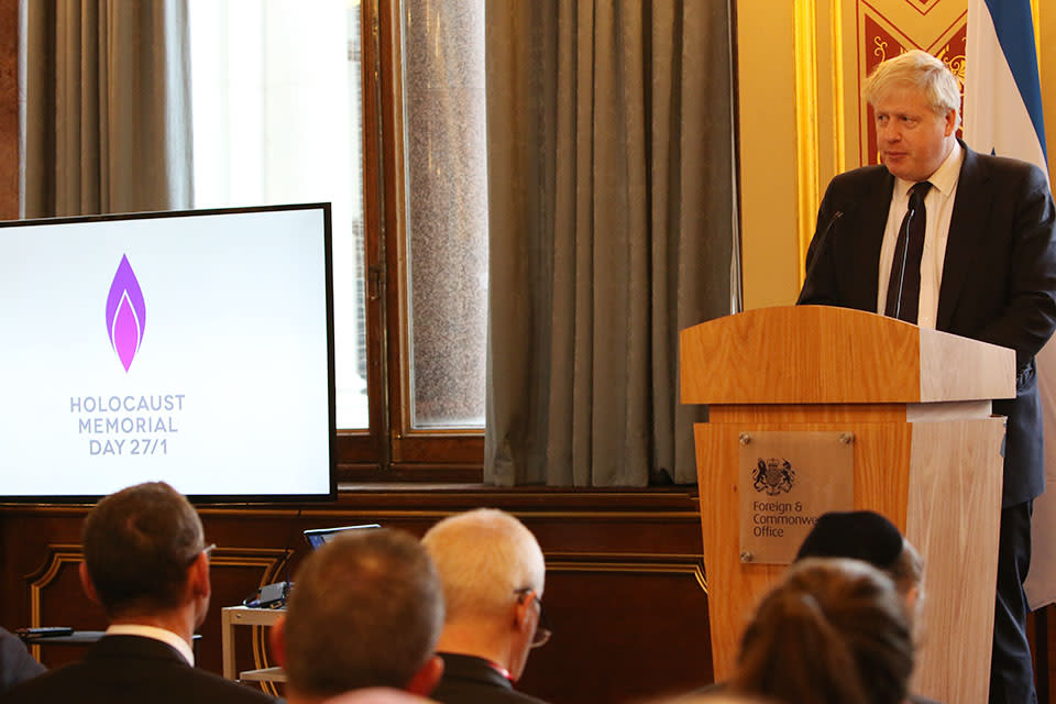 British Foreign Secretary Boris Johnson speaks at an event commemorating Holocaust Memorial Day, January 23, 2018 (Foreign & Commonwealth Office)