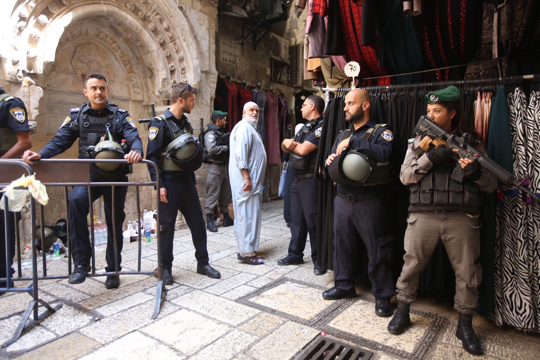 Israeli security on high alert at the Old City of Jerusalem, July 28, 2017 (Marc Israel Sellem)