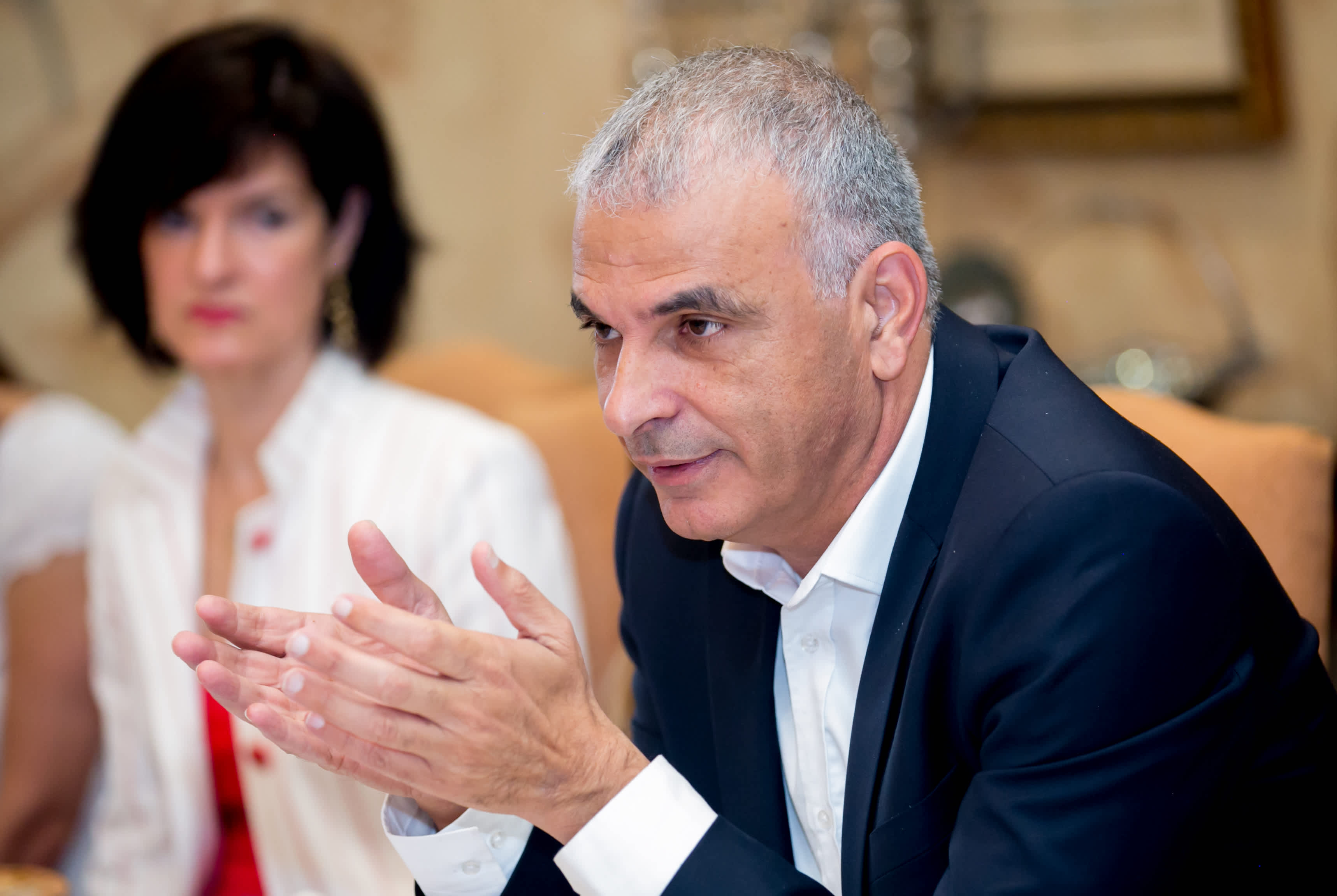 "Finance Minister Moshe Kahlon tells Bonds leadership ""We know we can count on you."" (Credit: Freed Photography)"