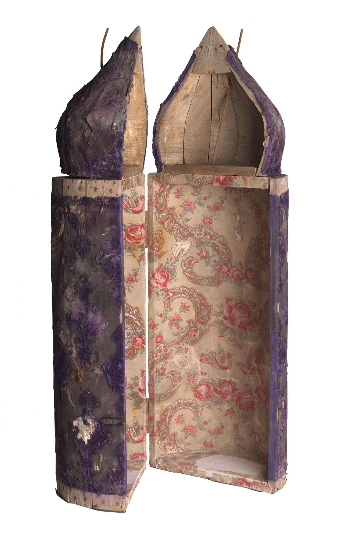 Tik (Torah case) and Glass Panel from Baghdad, 19th-20th centuries. In Jewish communities throughout the Middle East, the Torah scroll is generally housed in a rigid tik, or case made of wood or metal. (US National Archives)