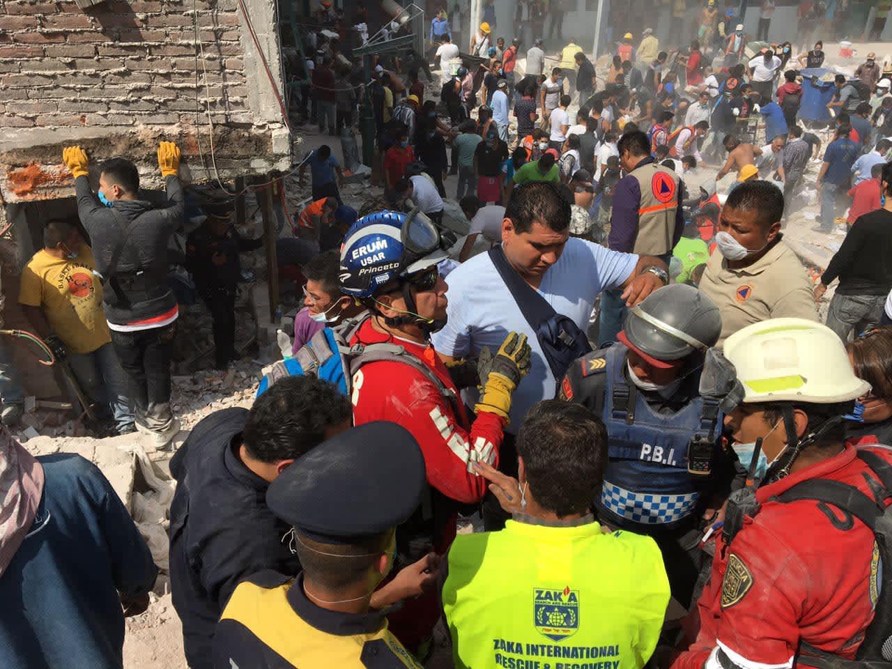 ZAKA volunteers help victims of the Mexico earthquake (Courtesy)