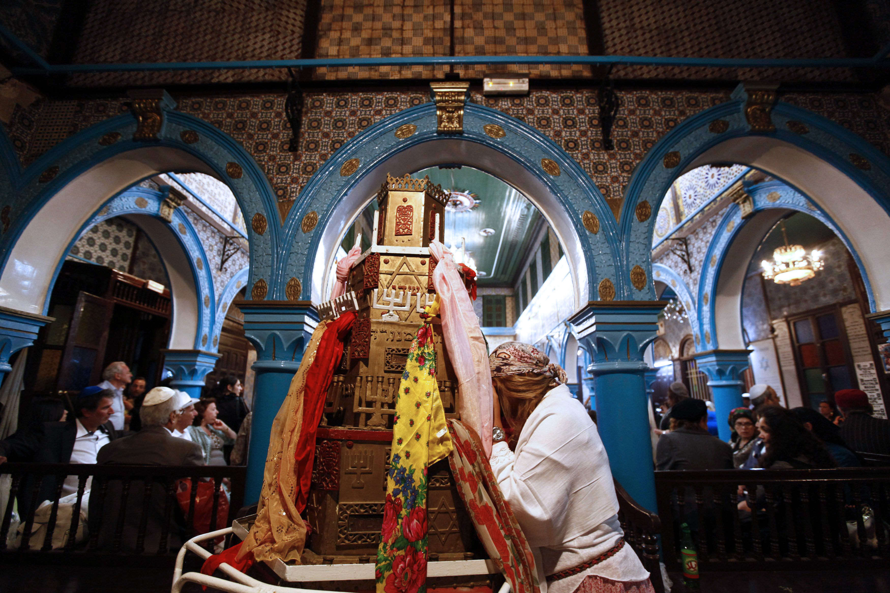 A Jewish worshipper prays during a pilgrimage to the El Ghriba synagogue in Djerba, Tunisia (ANIS MILI / REUTERS)